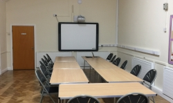 2-Small-Hall-Meeting-IWB